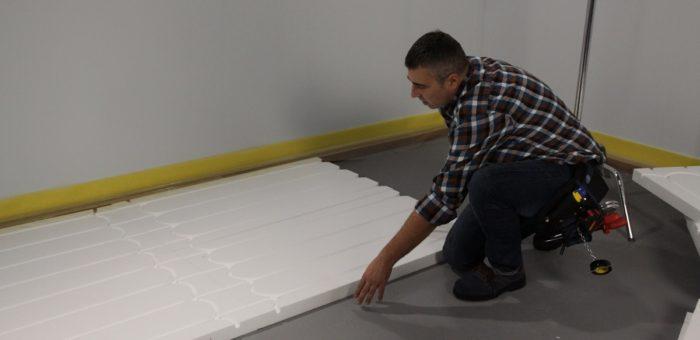 Układanie styropianu pod ogrzewanie podłogowe